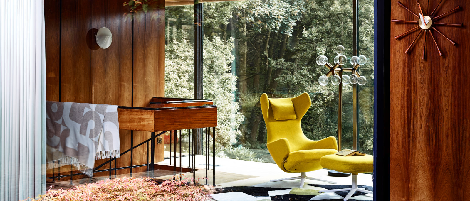 Vitra Winteraktion 2017 – Lounge Chair und Grand Repos in Aktion.
