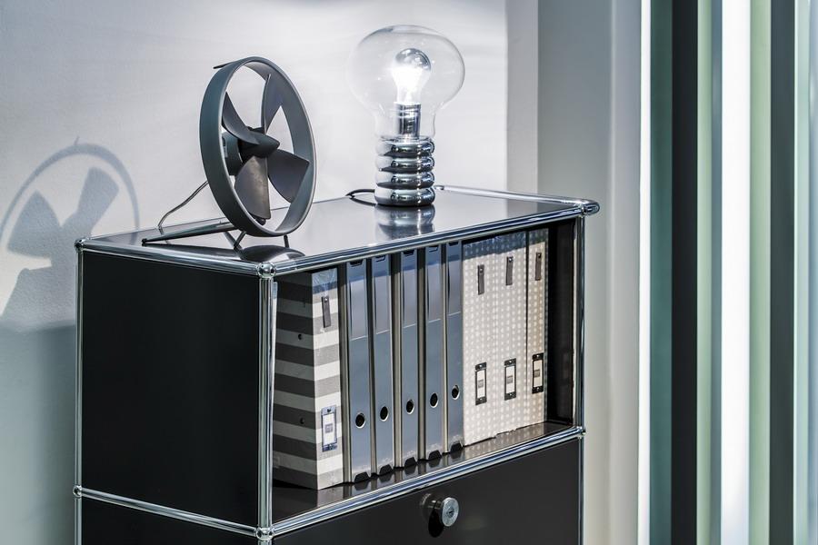 Ausgewahlte Design Mobel Hersteller Wie Vitra Fritz Hansen Usm