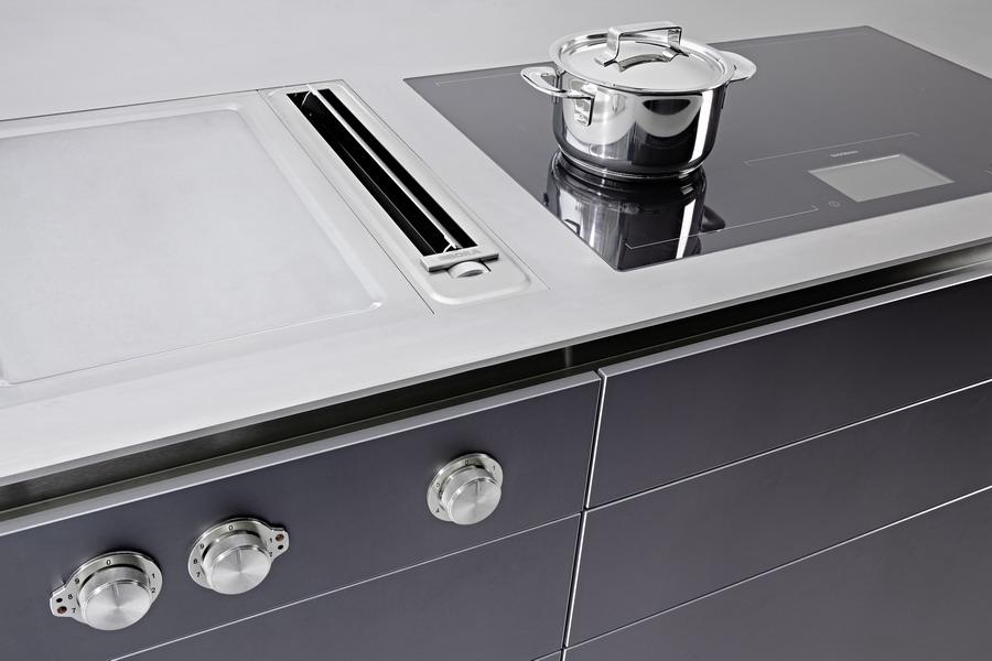 Küche bulthaup b3 mit Einbaugeräten von Miele Gaggenau