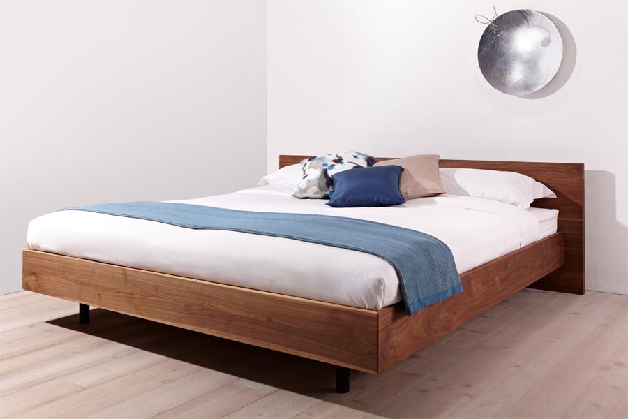 janua steht f r durchg ngiges design elementare formen und erstklassige materialien. Black Bedroom Furniture Sets. Home Design Ideas