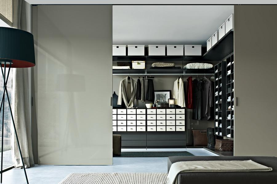 designerm bel der italienieschen kollektion poliform. Black Bedroom Furniture Sets. Home Design Ideas