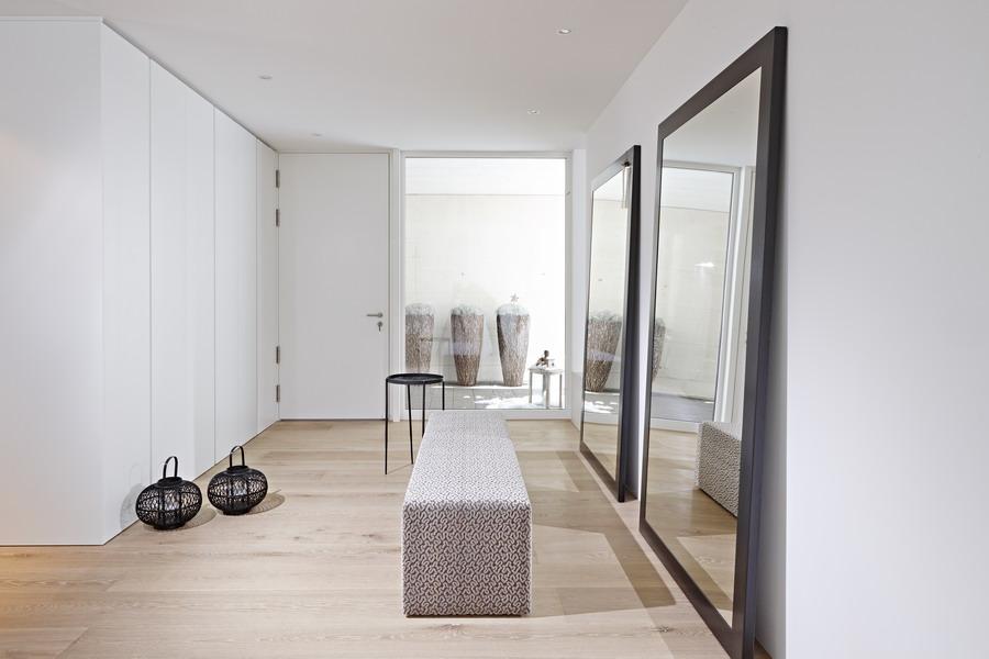 Kundenreferenz architektenhaus mit exklusiver einrichtung und klaren formen - Polsterbank schlafzimmer ...