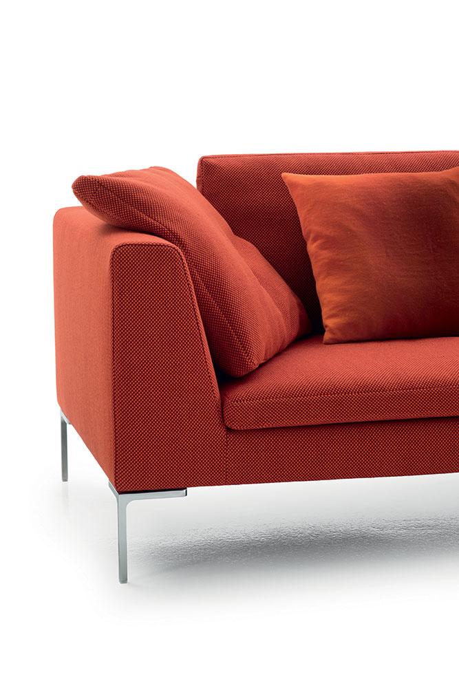 20 jahre sofa charles von b b italia. Black Bedroom Furniture Sets. Home Design Ideas